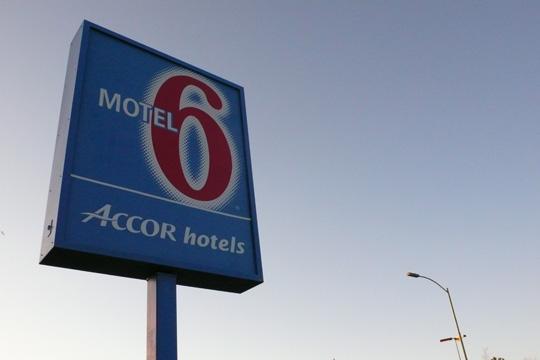 motel6%2001.jpg